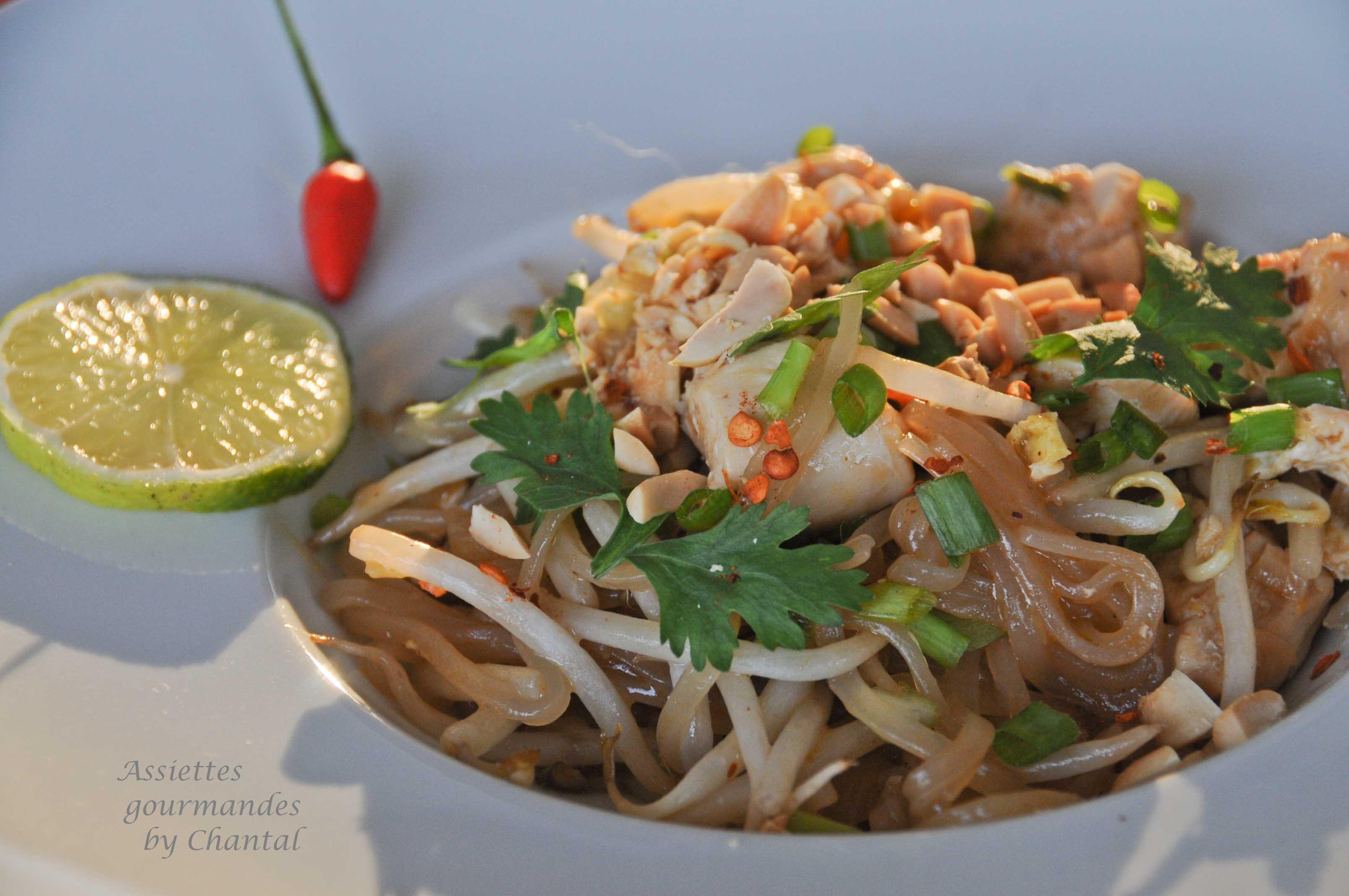 Recette de pad tha nouilles de riz saut es au poulet for Cuisine thai