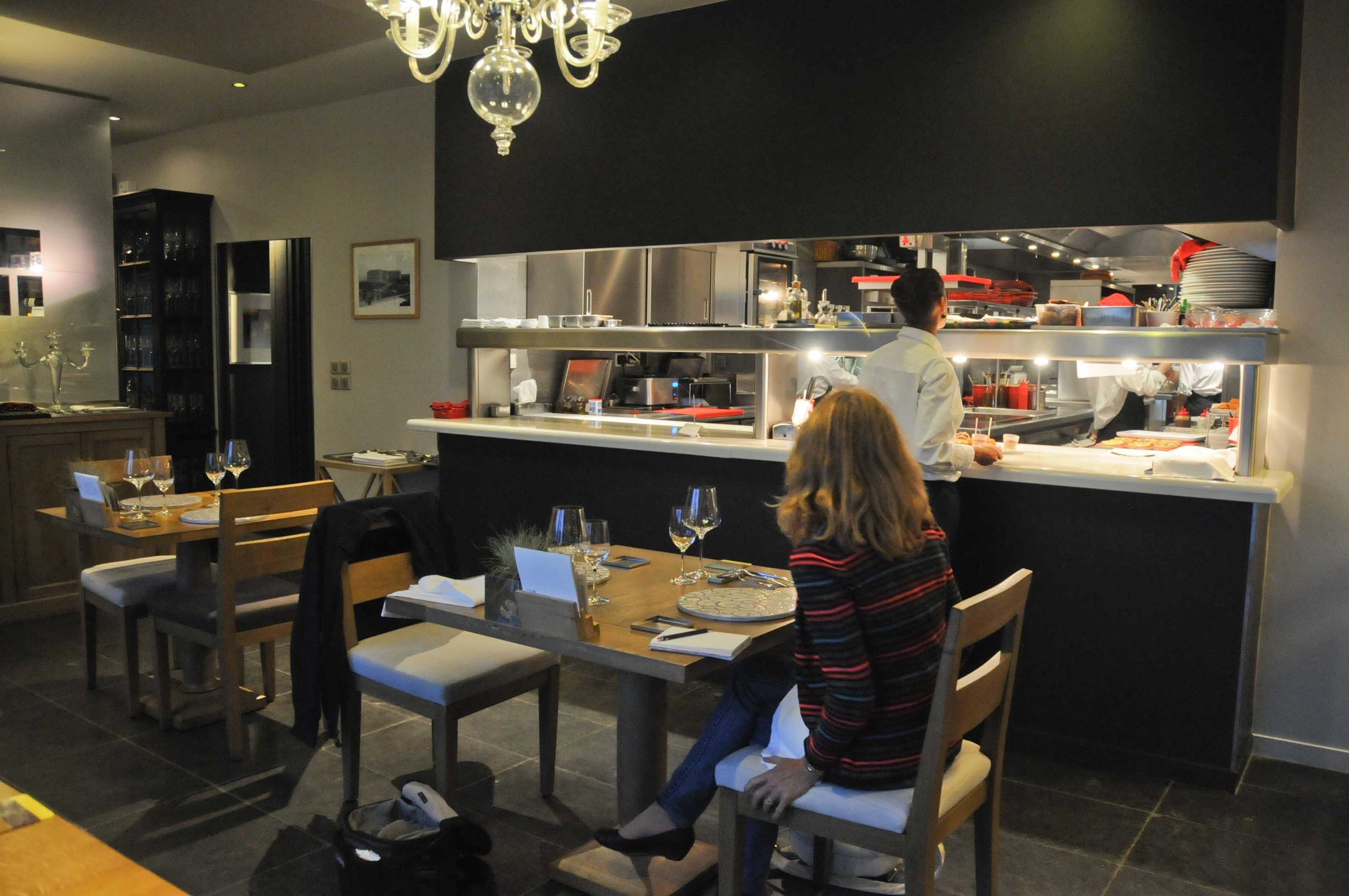 L 39 auberge basque saint p e sur nivelle c dric b chade for Cuisine ouverte restaurant norme