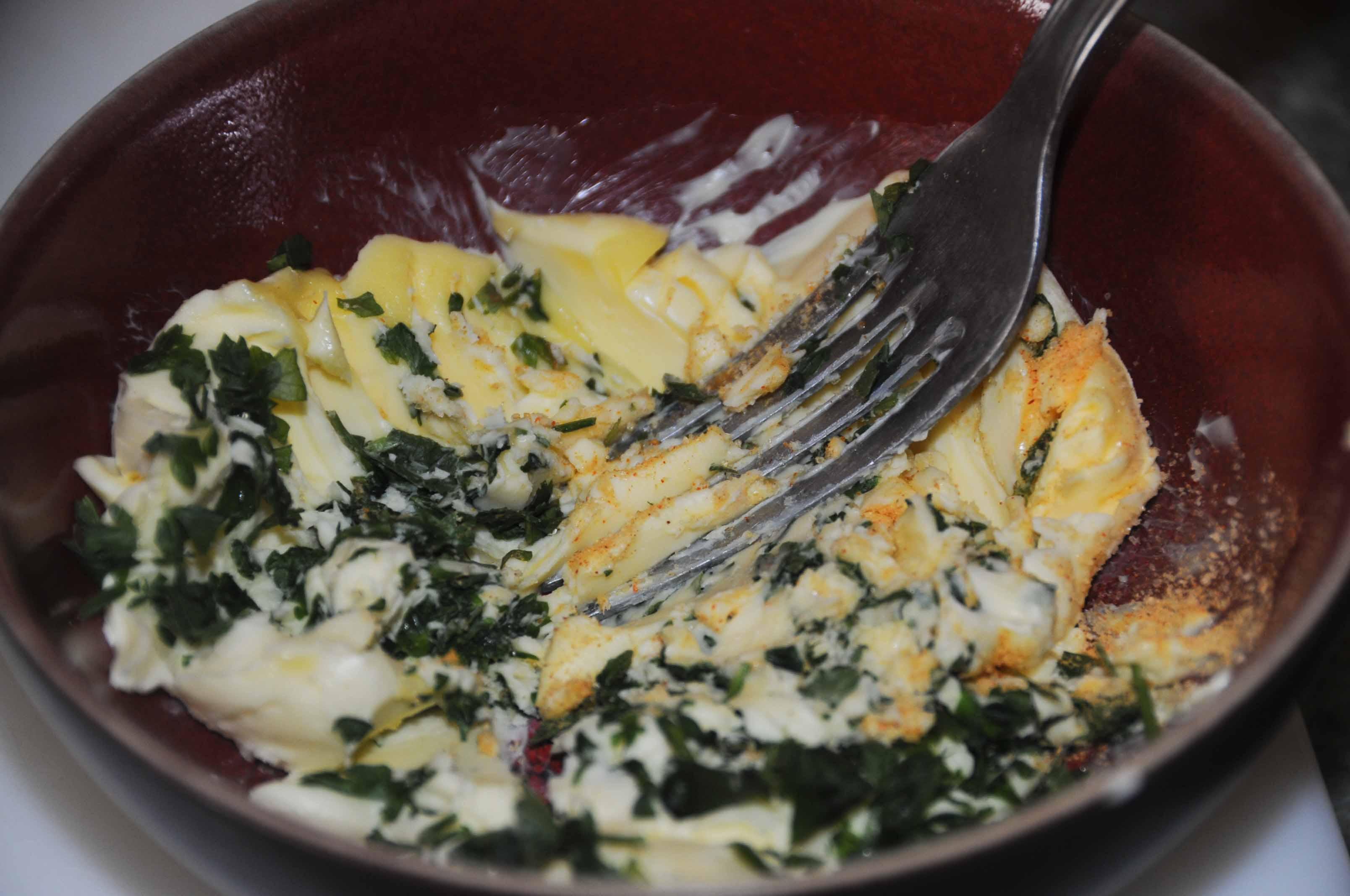 Souvent POULET ROTI - beurre d' herbes sous la peau EP72
