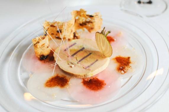 Carpaccio de betteraves et foie gras, vinaigrette à l'huile d'Argan