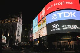 Piccadilly Circus,