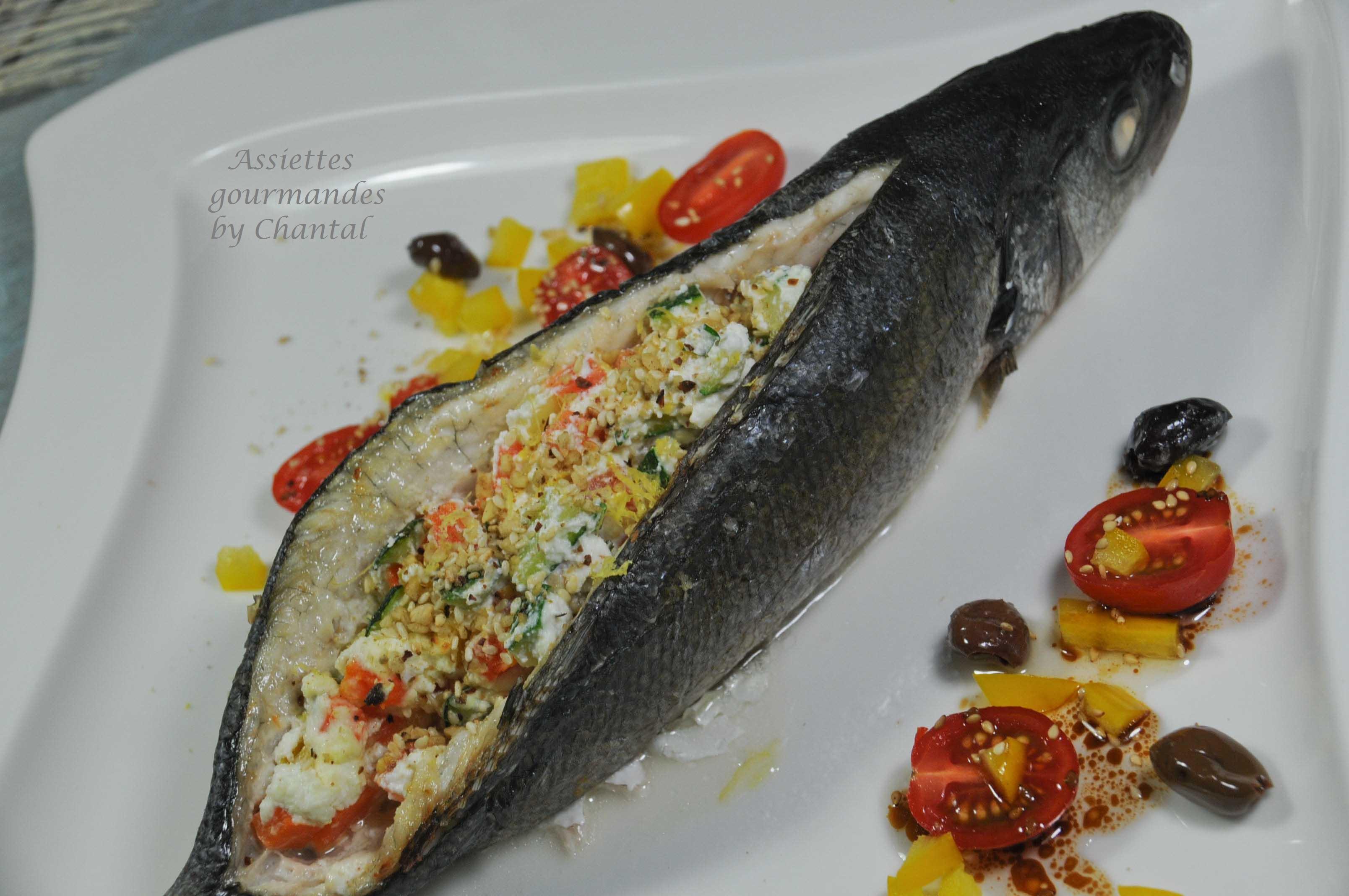 Comment d sar ter un poisson par le dos bar farci la - Cuisiner le loup de mer ...