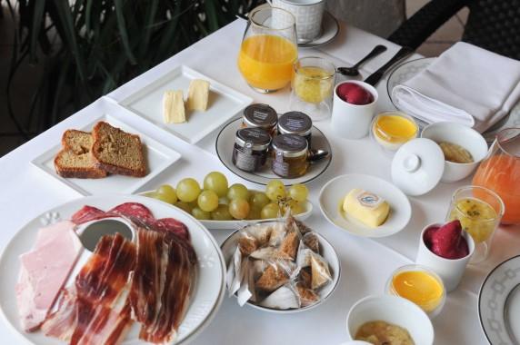 Petit déjeuner Château d'Adoménil (41)