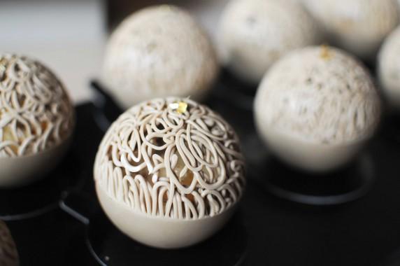 Cédric Bedin, sphère chocolat Orelys, coing, cacahuètes, gelée Loupiac