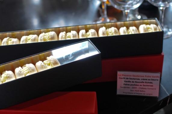 Marc Dambra, Candiz by M Pâtisserie Fine & Mise en bouche salée : macaron Sauternes, poire, vanille