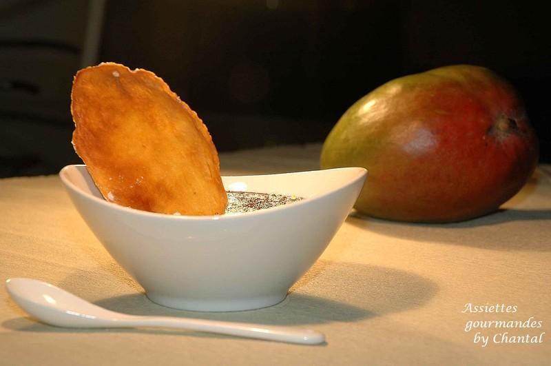 Crème brûlée chocolat fleur de macis sur lit de mangue