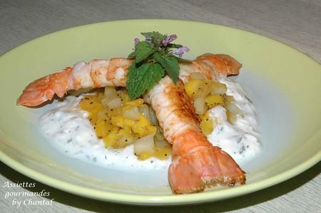 Langoustines juste saisies, yaourt à la menthe poivrée et chutney mangue patate douce