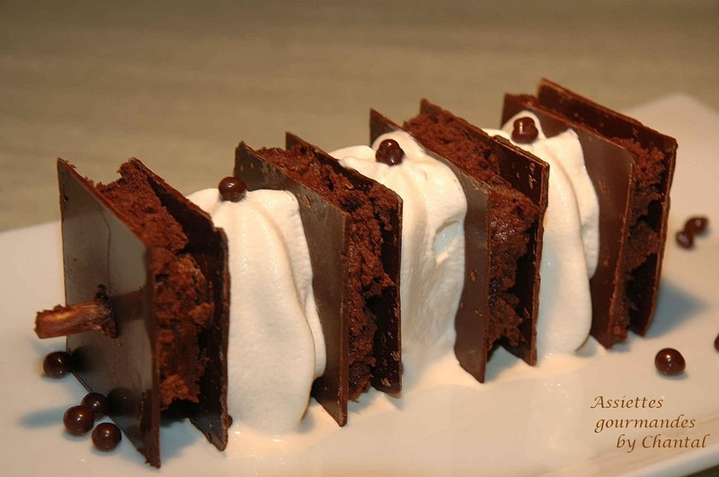 Pour les amoureux du chocolat...une brochette de feuille à feuille chocolat et espumas café Bailey's