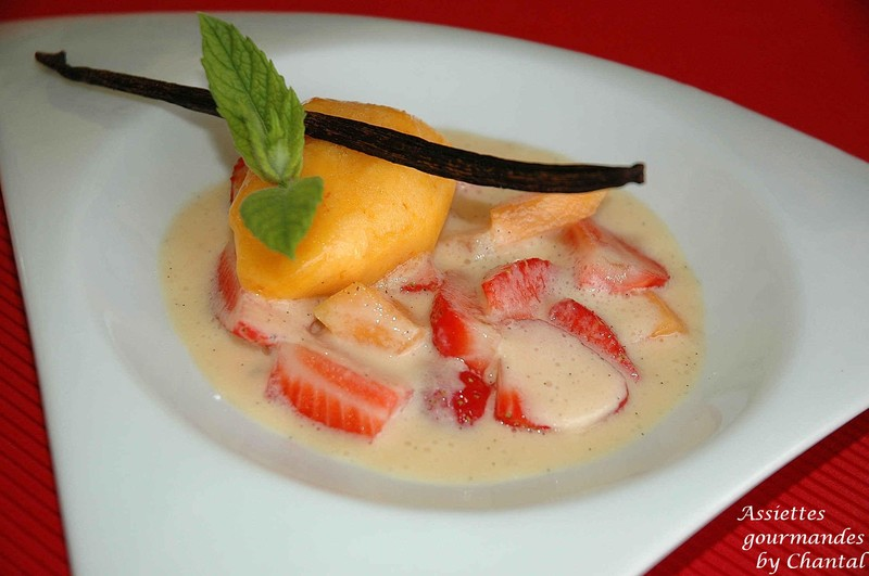 Fraises à la crème de melon-coquelicot et son sorbet
