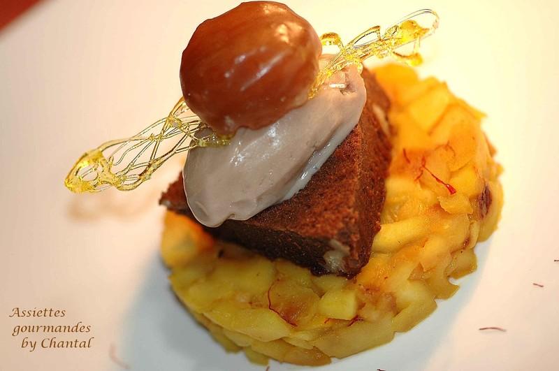 Dessert de Fête: Brownie chocolat marron, poêlée de pommes au safran et marron glacé