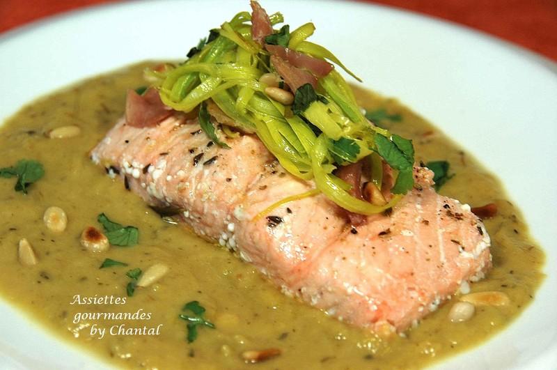 Pavés de saumon pochés à l'huile d'olive, crème de poireaux confits