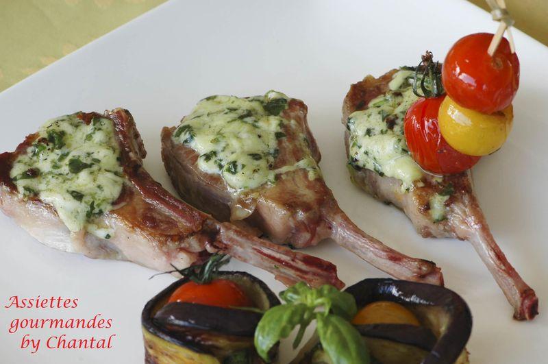 Côtelettes (ou côtes) d'agneau et légumes à la Plancha