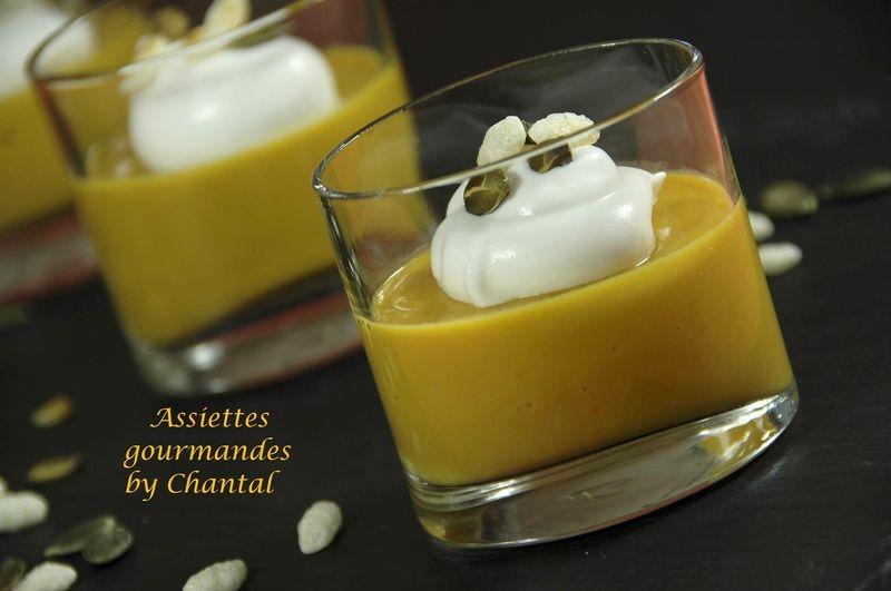 Crème de potimarron et châtaignes façon cappuccino