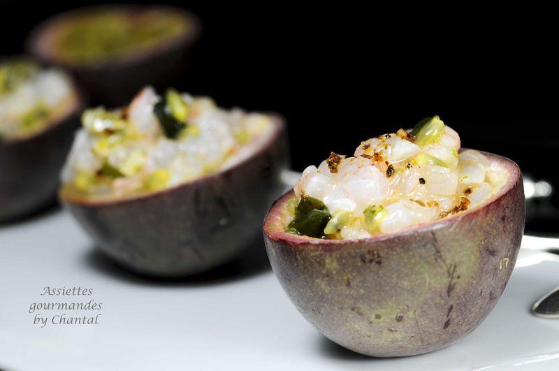Tartare de langoustines en coque de fruits de la passion