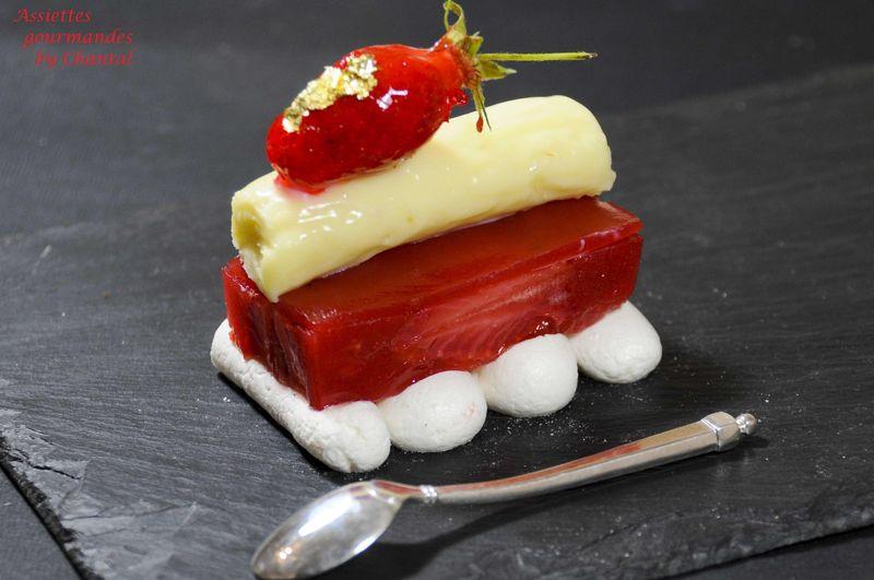 Croustillant meringué fraise rhubarbe... pour un défi franco-belge!