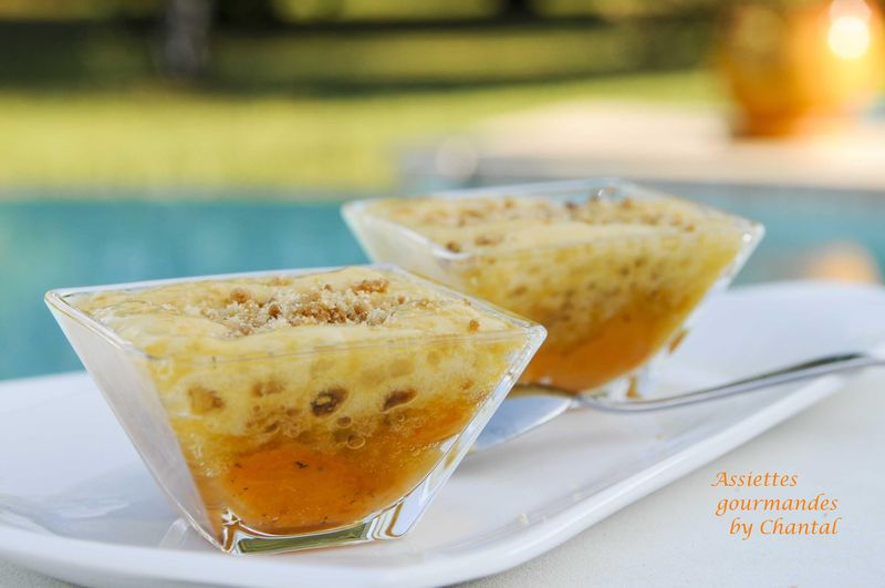 Abricots et espuma en crumble