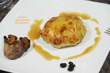 Feuilletés de pigeon, chou et foie gras, jus réduit au café