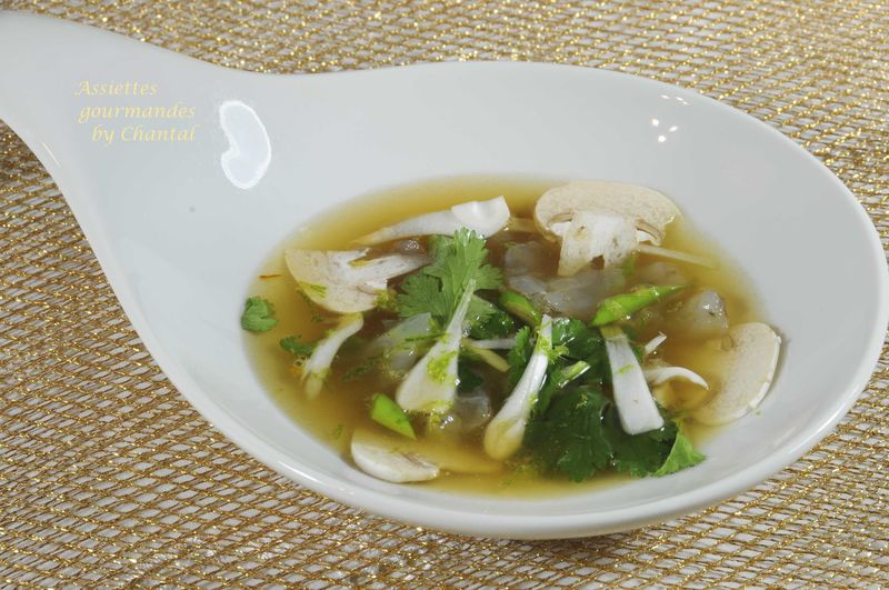 Gambas en bouillon asiatique