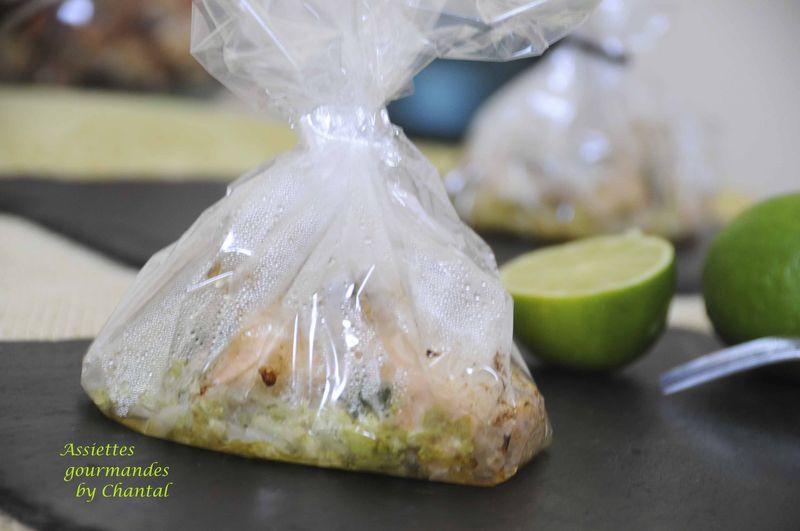 Papillotes transparentes saumon, coriandre, gingembre, soja et chou chinois