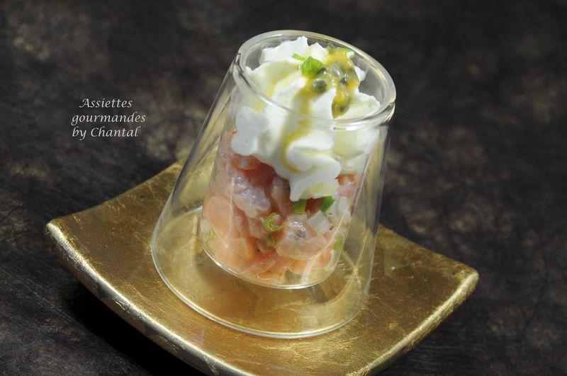 Tartare de saumon et espuma d'asperges blanches