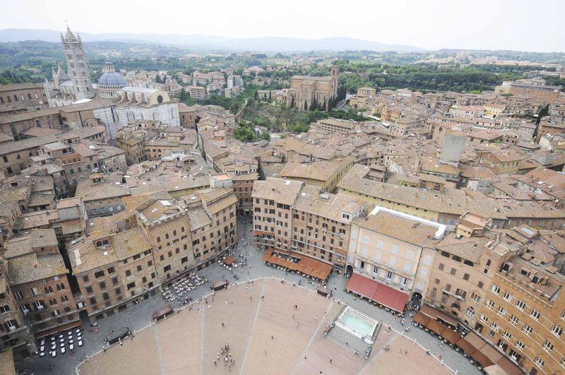 Dîner à l'Osteria Le Logge à Sienne, et promenade en Toscane