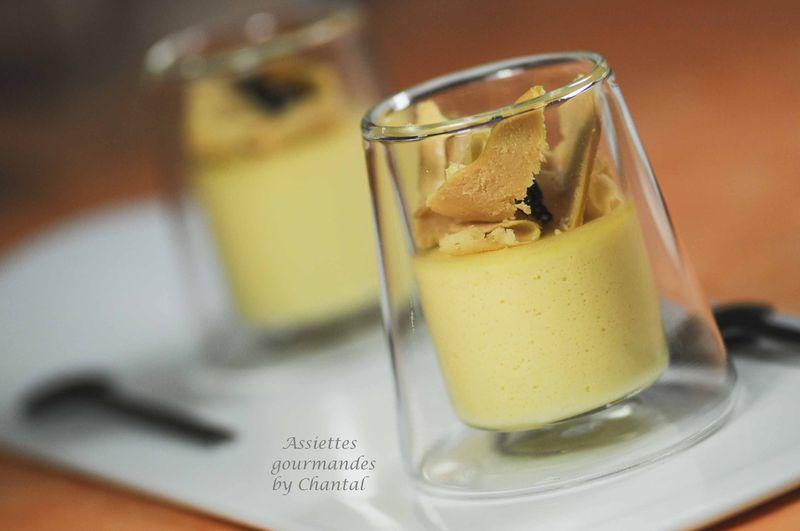 Panna cotta maïs, copeaux de foie gras et miettes de truffe