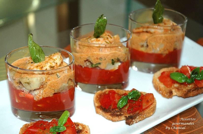 Vinaigrette de langoustines aux artichauts et tomates, crème de carapaces