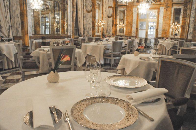 Restaurant Les Ambassadeurs au Crillon: un déjeuner dans les cuisines!