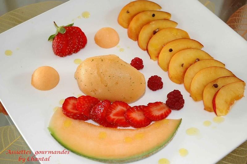Dessert en carpaccio d'été au poivre de Séchouan et son sorbet melon-menthe fraîche