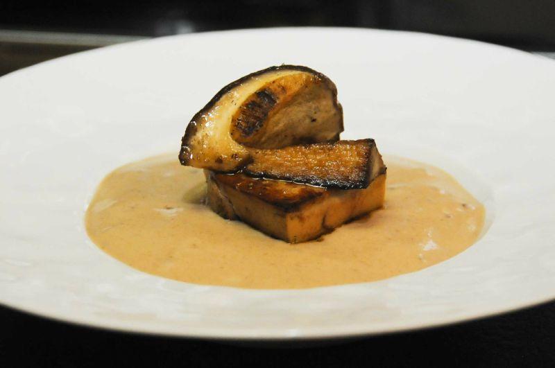 Emulsion de champignons aux éclats de châtaignes et foie gras
