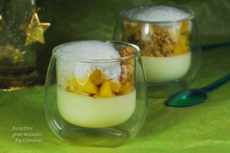 Panna cotta citronnelle, mangue, crumble et mousse au chocolat blanc
