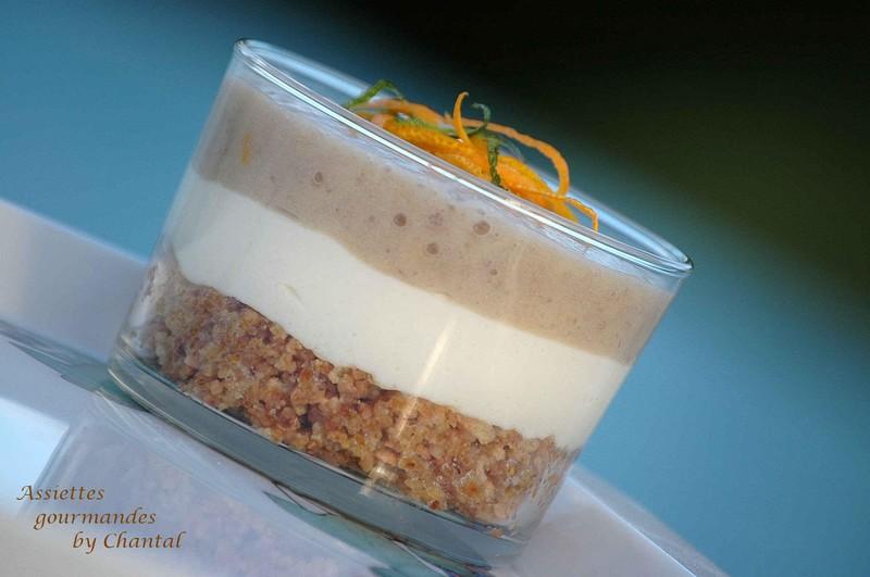 Dessert en verrine: carré frais, banane et pralin