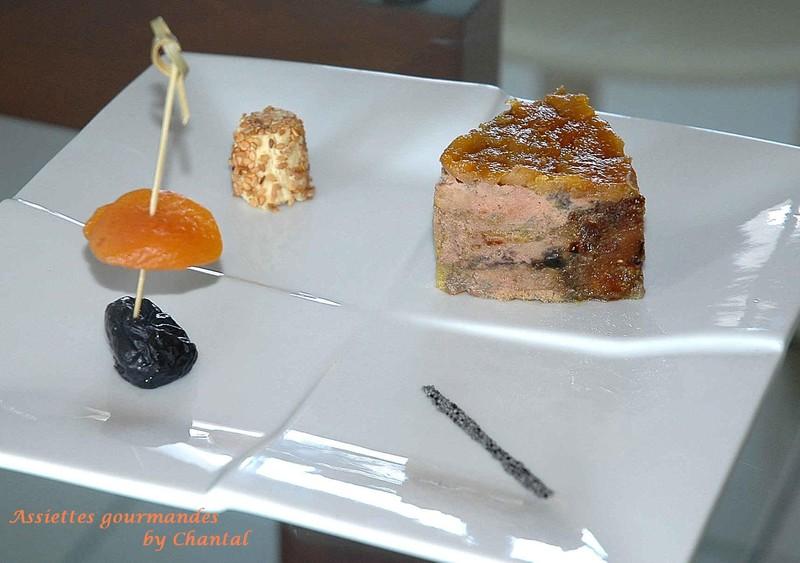 Foie gras aux fruits secs et son bonbon