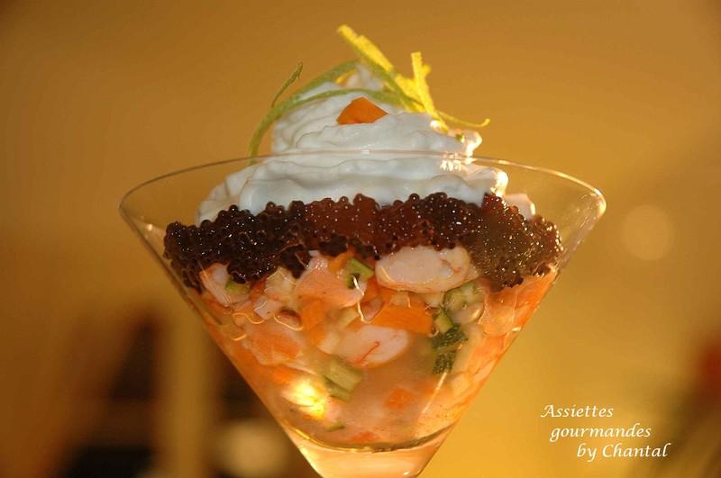 Verrine de crevettes, gelée à la citronnelle, caviar de hareng et espuma de lait de coco