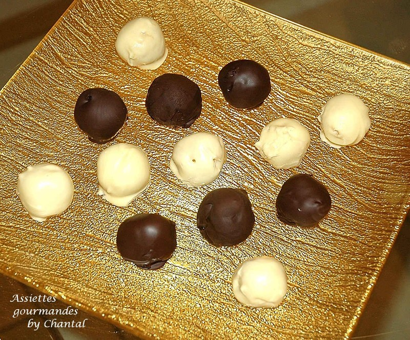 Bouchées à l'abricot-coco et aux 2 chocolats