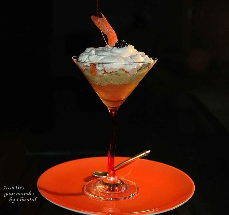 Cocktail de crevettes sur une gelée d'agrumes et purée d'avocat