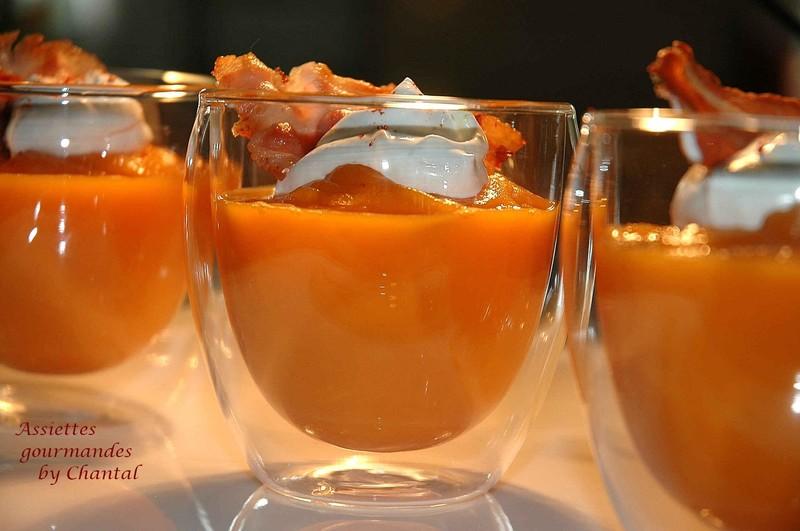 Cappuccino de patate douce aux carottes et bacon