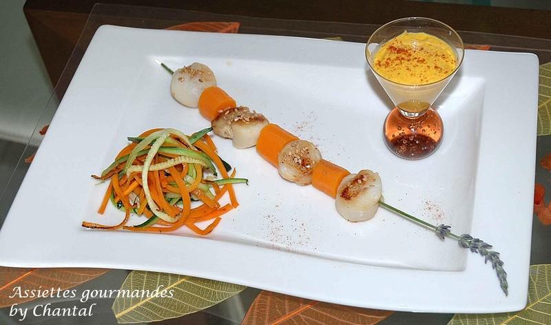 Saint-Jacques au sésame et espuma carottes-cumin