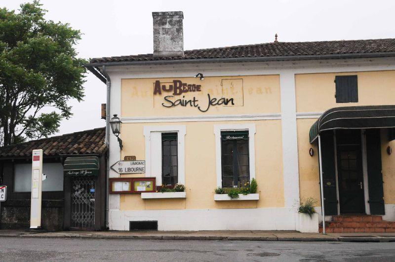 Déjeuner à l'Auberge Saint-Jean, à Saint-Jean-de-Blaignac