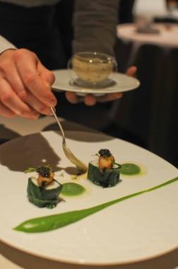 Turbot en feuille de blette, ormeaux, caviar, crémeux de brocolis de Nicolas Masse