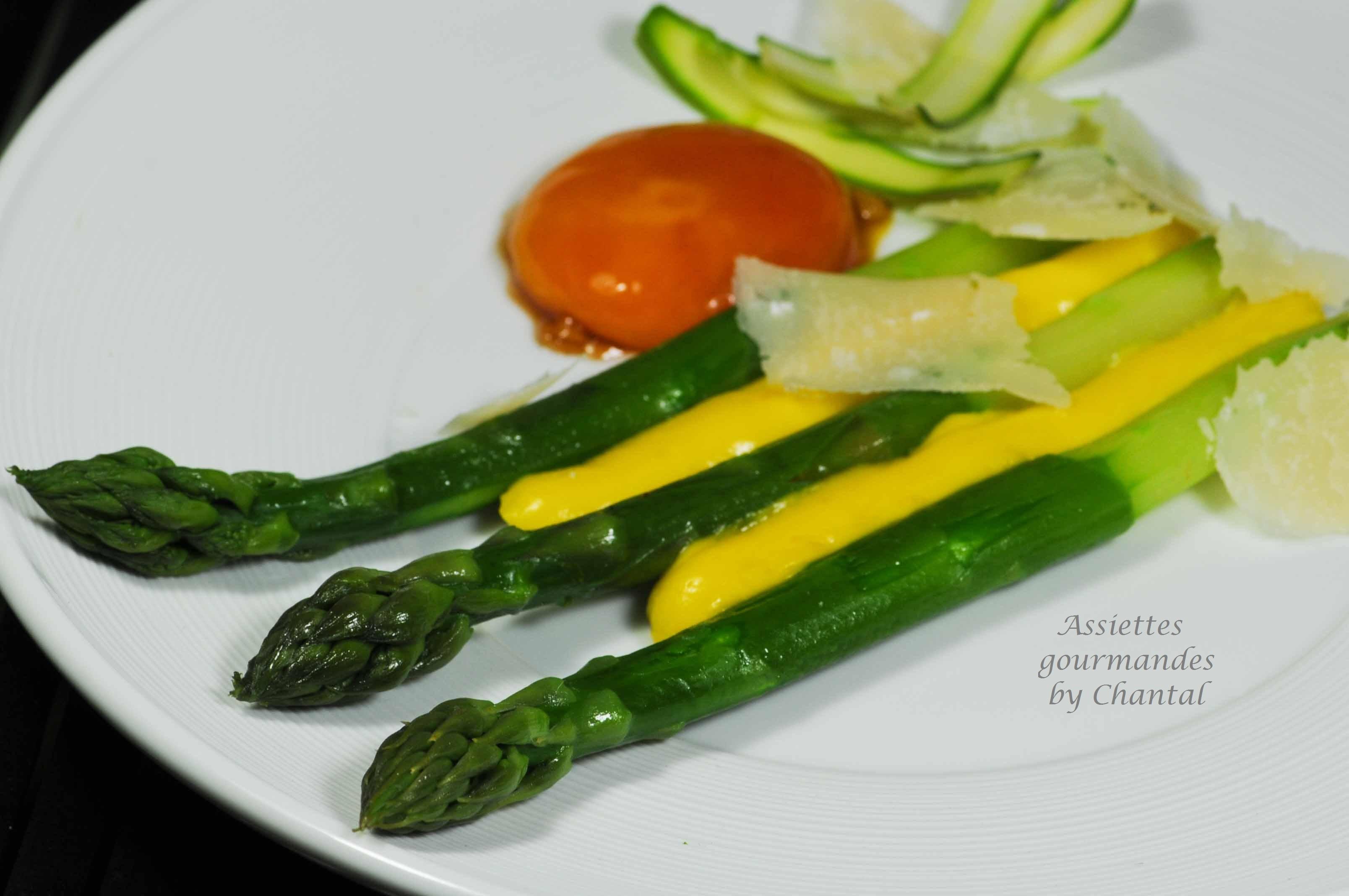 Asperges, sabayon huile d'olive et citron au Thermomix, oeuf mariné au soja