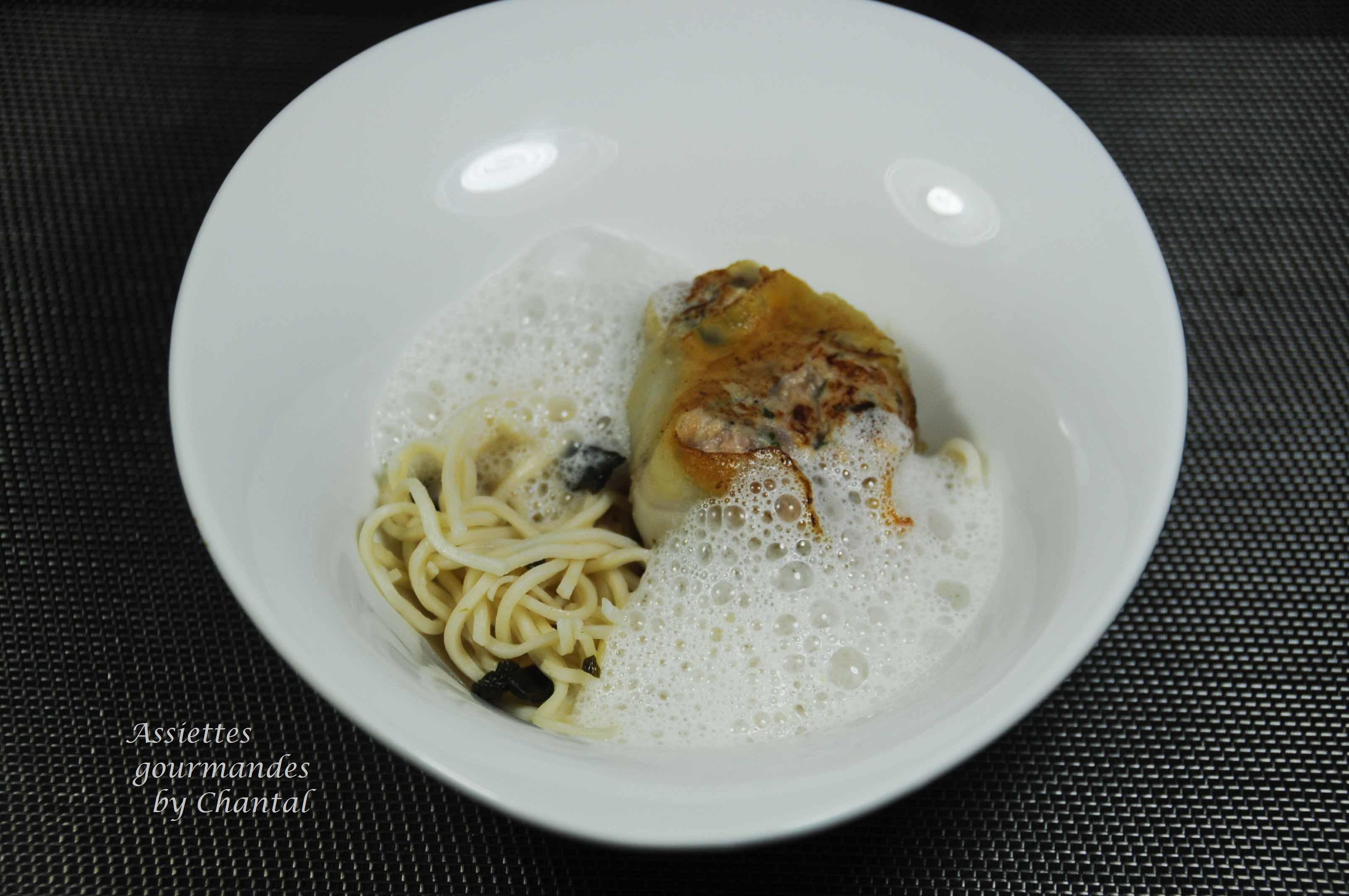 Crépinettes aux huîtres, nouilles chinoises et écume d'huître