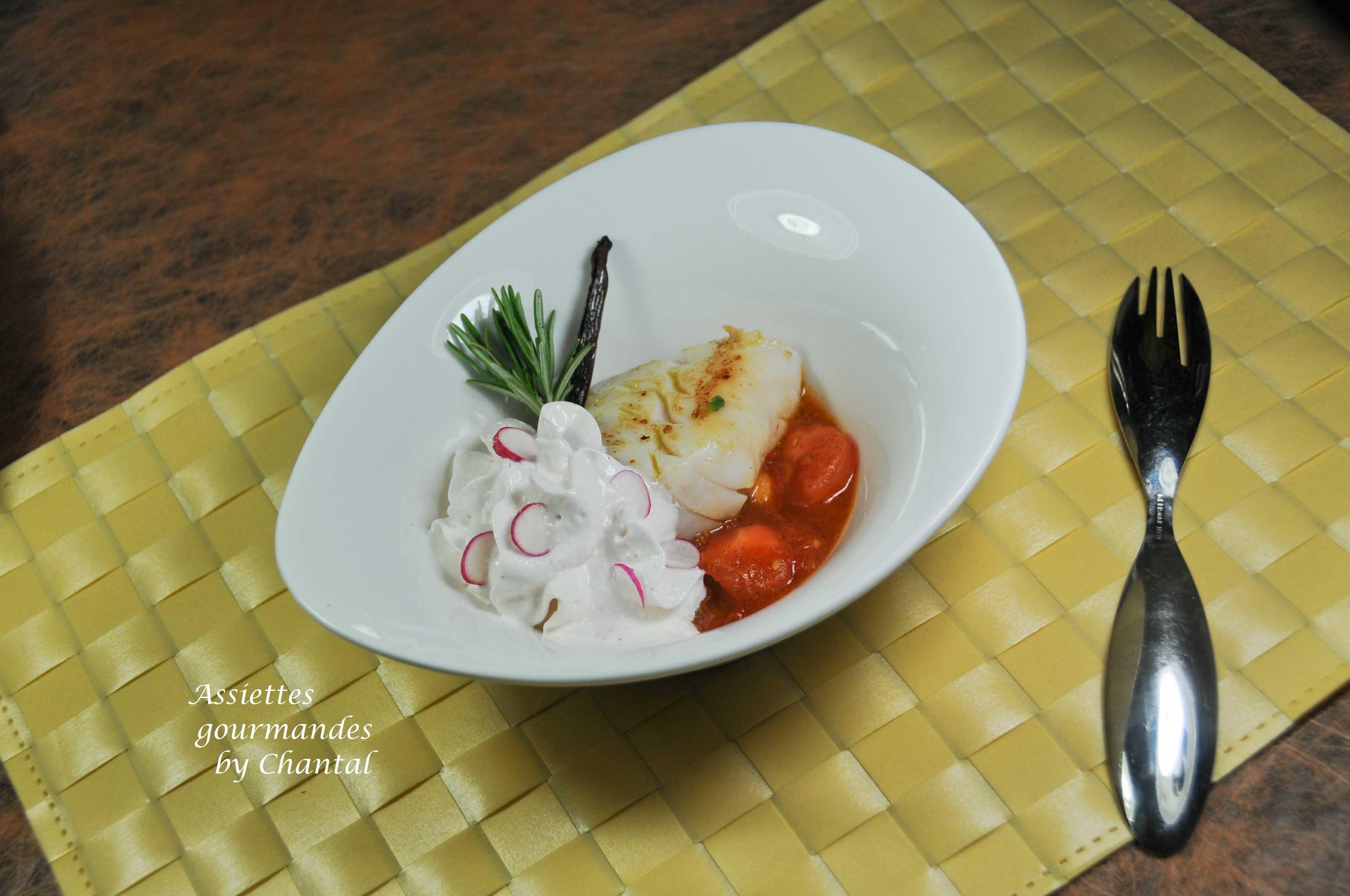 Cabillaud, compotée de tomates à la vanille, mousse de radis