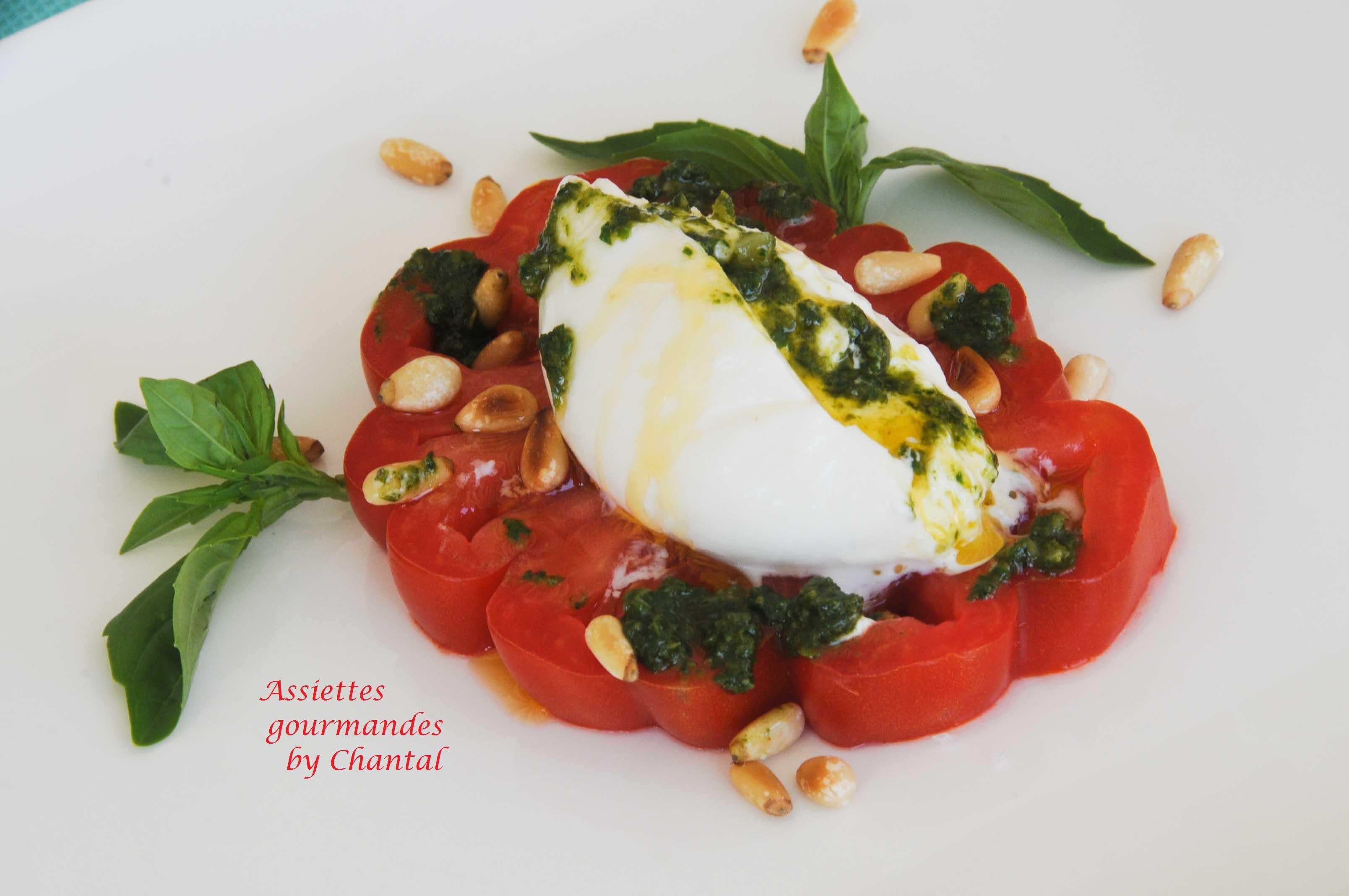 Burrata et tomate en salade