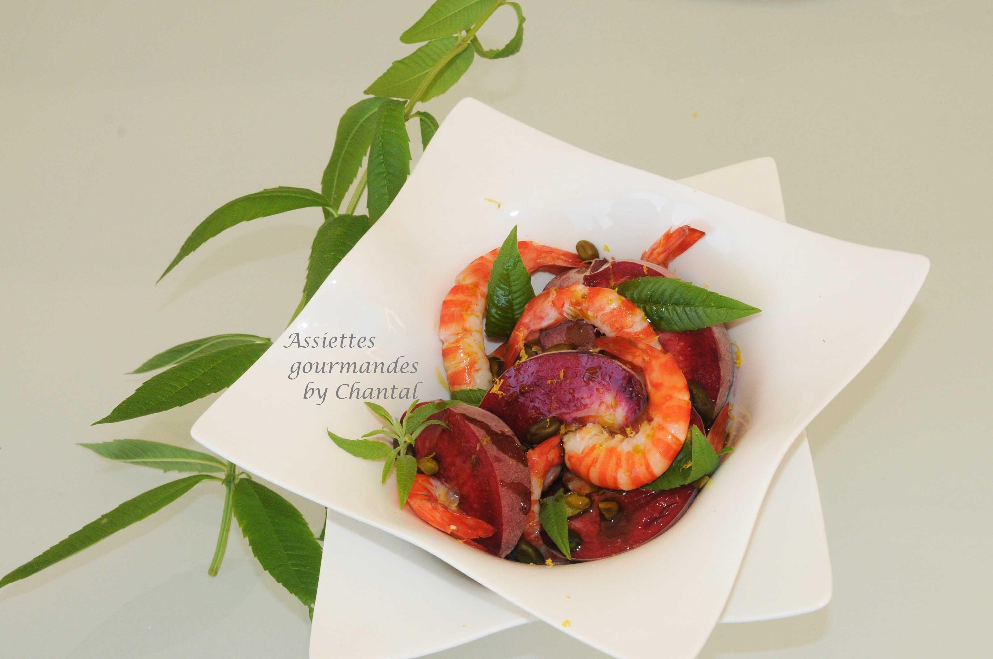 Salade pêches, crevettes et pistaches