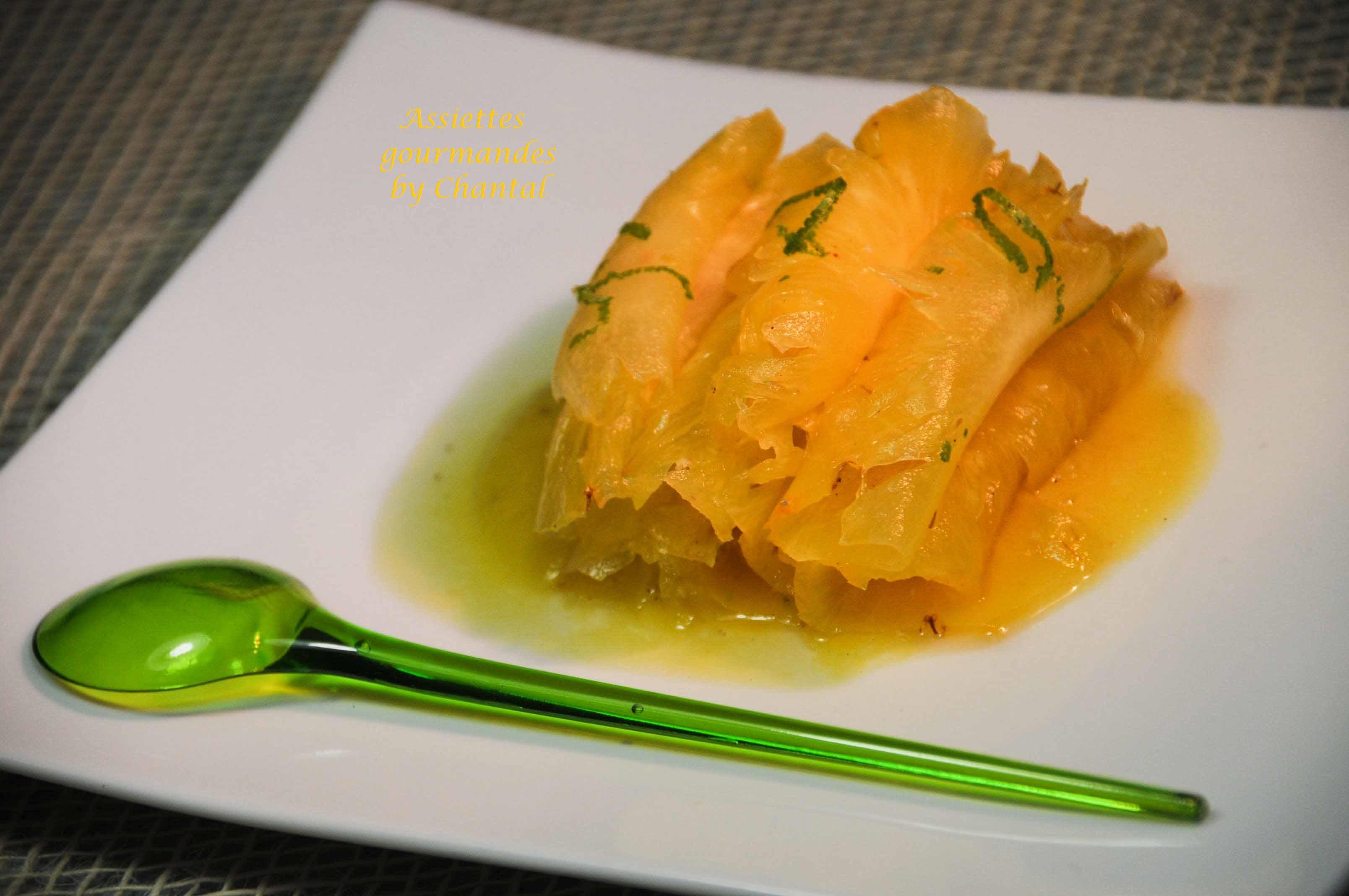 Carpaccio d'ananas mariné aux épices et au citron vert