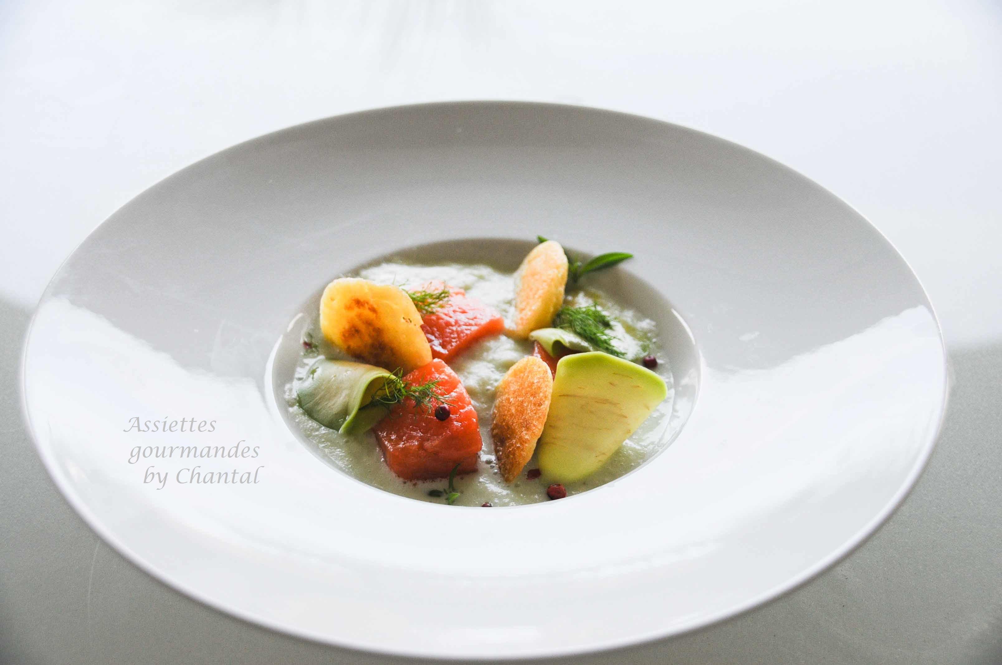 Saumon gravlax, crème de concombre, blinis, une recette de Bernard Bach