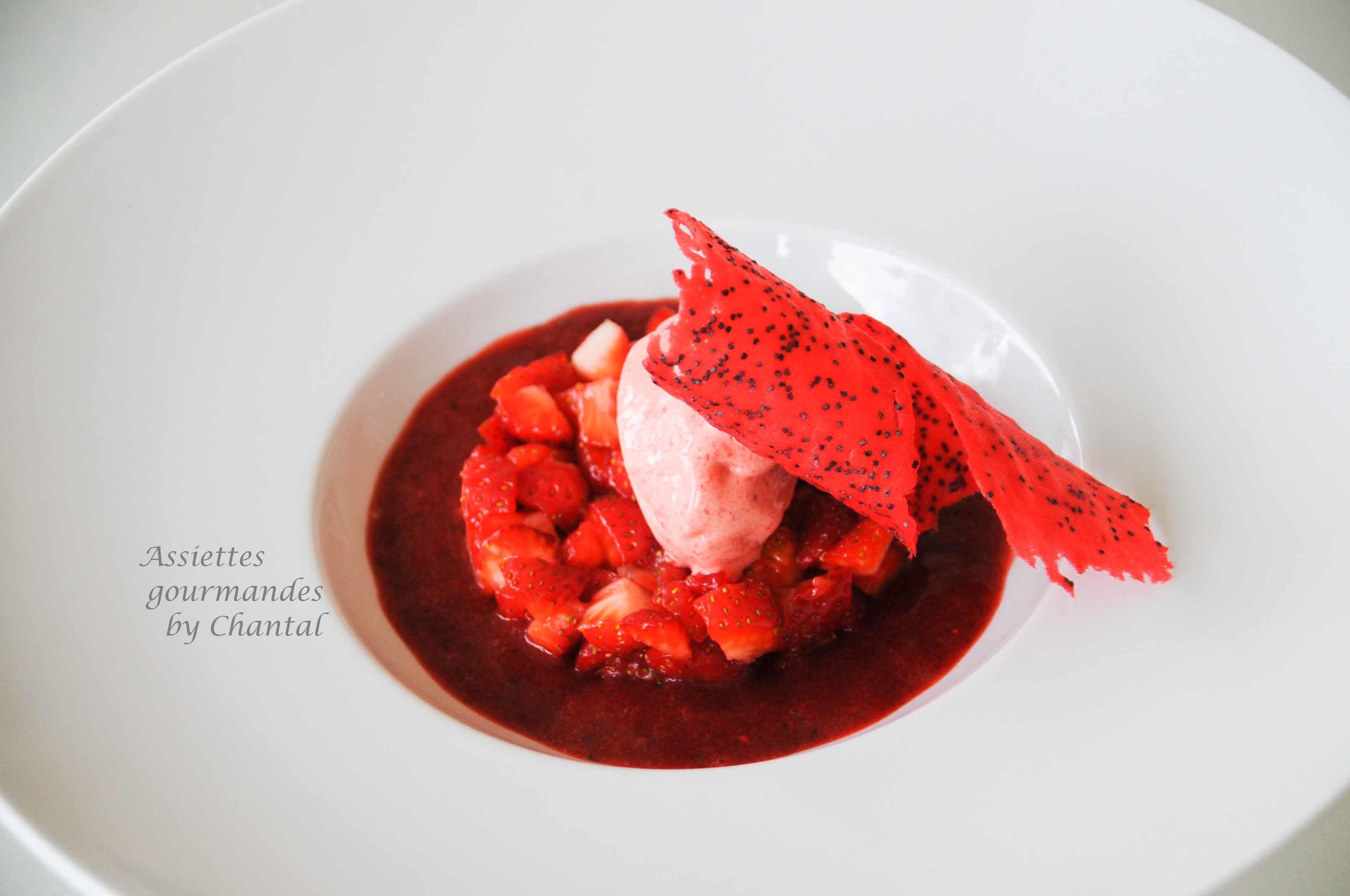 Dessert aux fraises [et sorbet fraises Thermomix]... un dessert tout rouge de Christophe Felder