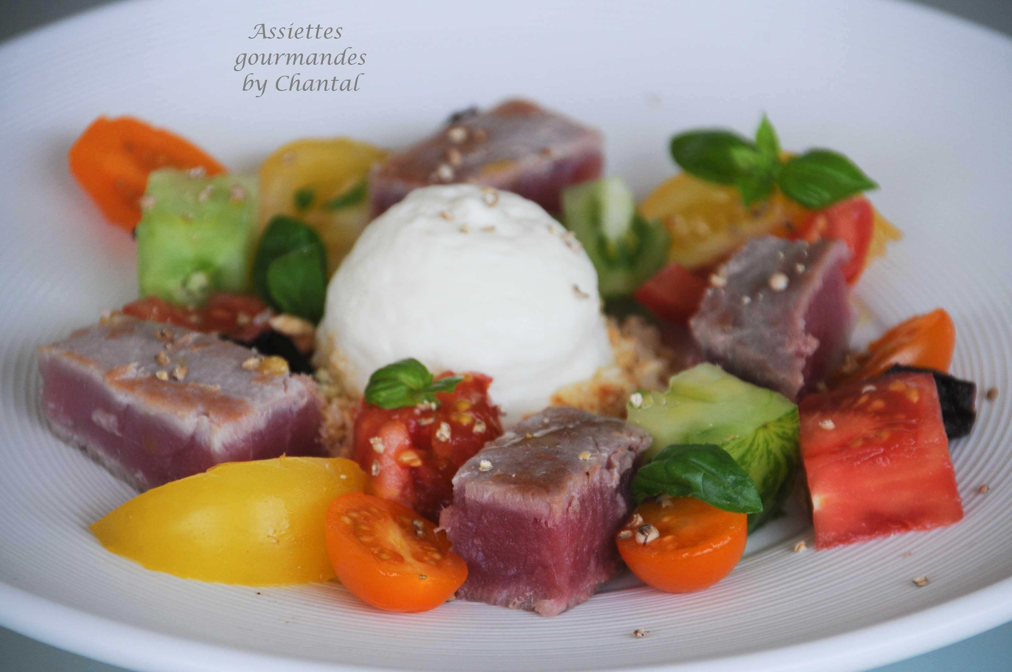 Mousse de Burrata [ Mozzarella], Thon, crumble parmesan noisette et salade de tomates