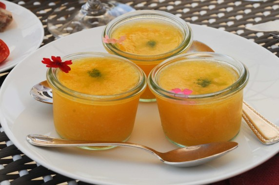 Gaspacho de tomates ananas